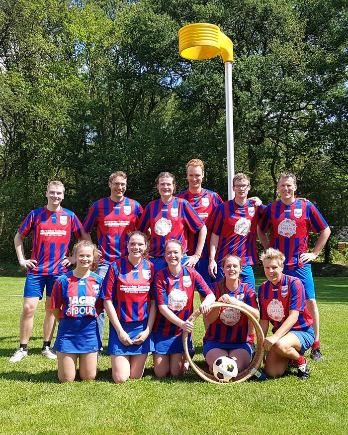 Kampioenschap korfballers HHCombi 1