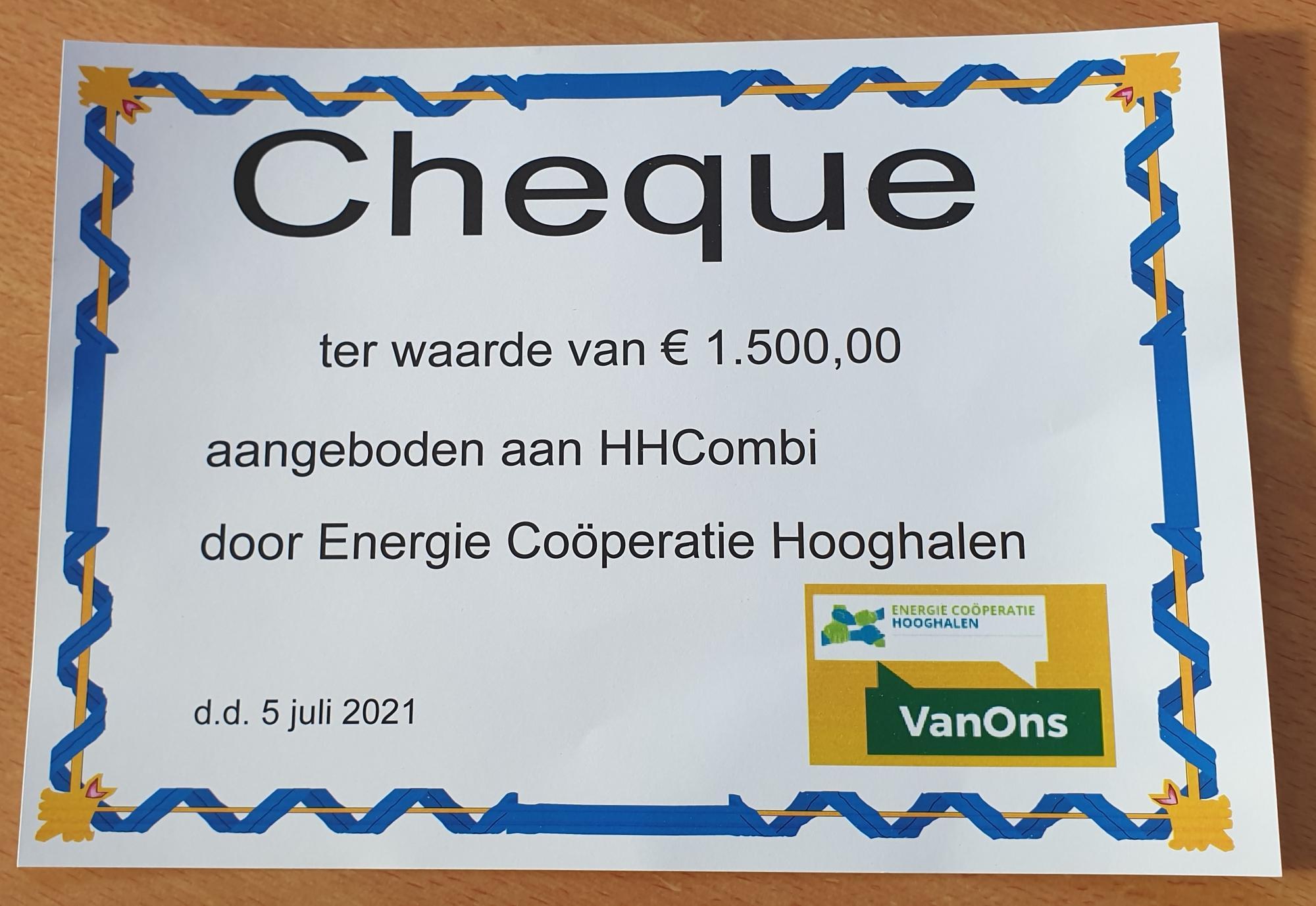 HHCombi ontvangt cheque van Energie Coöperatie Hooghalen
